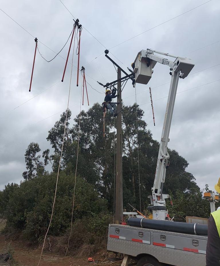 Estos trabajos incluyeron instalación de nuevos equipos en la red troncal que une a Los Álamos y Cañete